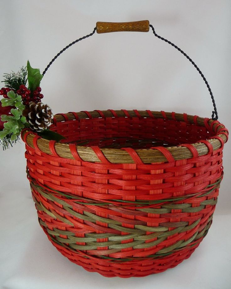 ALL INCLUSIVE PATTERN with DETAILED TUTORIALS with 46 PHOTOS. Learn basket weaving techniques triple twining with arrow and french randing with arrow. Bright Expectations Baskets.