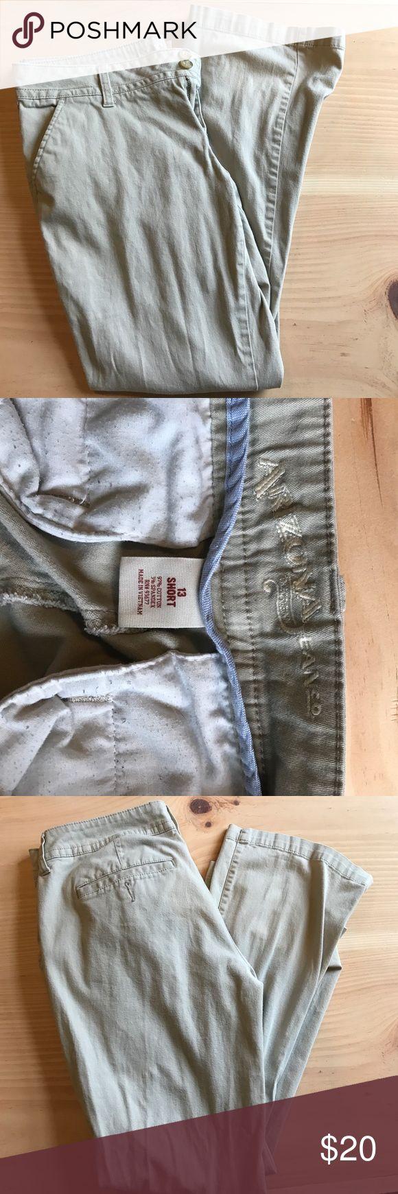 Kaki pants Arizona kaki pants. Worn but in great condition. No stains! Thy are a 13 short. Arizona Jean Company Pants Boot Cut & Flare