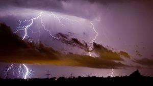 Wo schlagen in Deutschland am meisten Blitze ein? Die Firma Siemens veröffentlicht jährlich eine Rangliste.