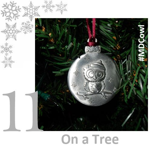The 12 Days of Ornament Giving Day 11: ‪#‎MDCowl‬ looks great in it's natural habitat. Get your ‪#‎ornament‬ at muscle.ca/ornaments