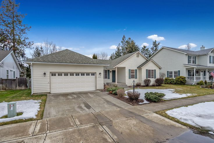 Price just reduced!! Call me today to schedule your showing!  Wonderful home centrally located in Hoffman subdivision in Coeur d'Alene. Now $339,900  #yourhomegirl #thecorcoranhallteam #coeurdalene #mchteam #cda #topproducers #coldwellbanker