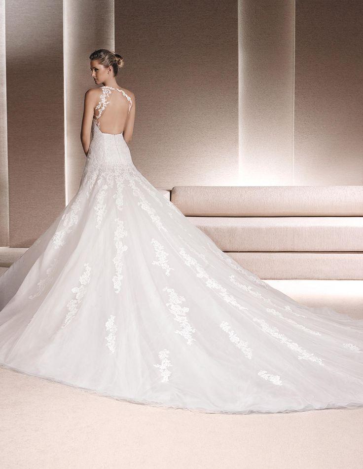 RIENDA - Lace wedding dress, with sweetheart neckline   La Sposa