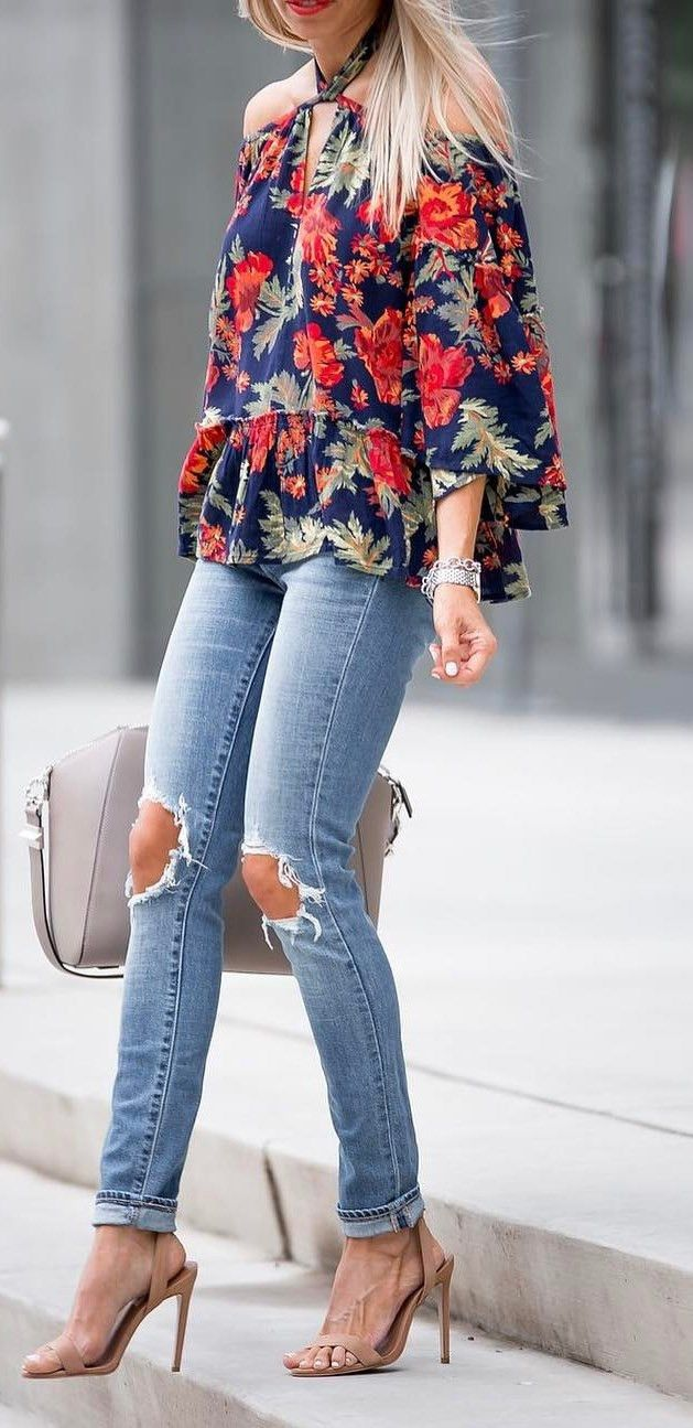 beautiful outfit floral blouse + heels + rips + bag