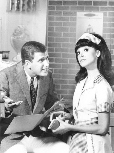 Marlo Thomas - Ted Bessell & Marlo in That Girl
