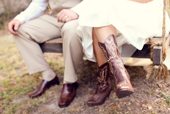 Gotta love a bride in Cowgirl Boots! Photography by Adria Peaden #cowgirl #boots #rustic #details