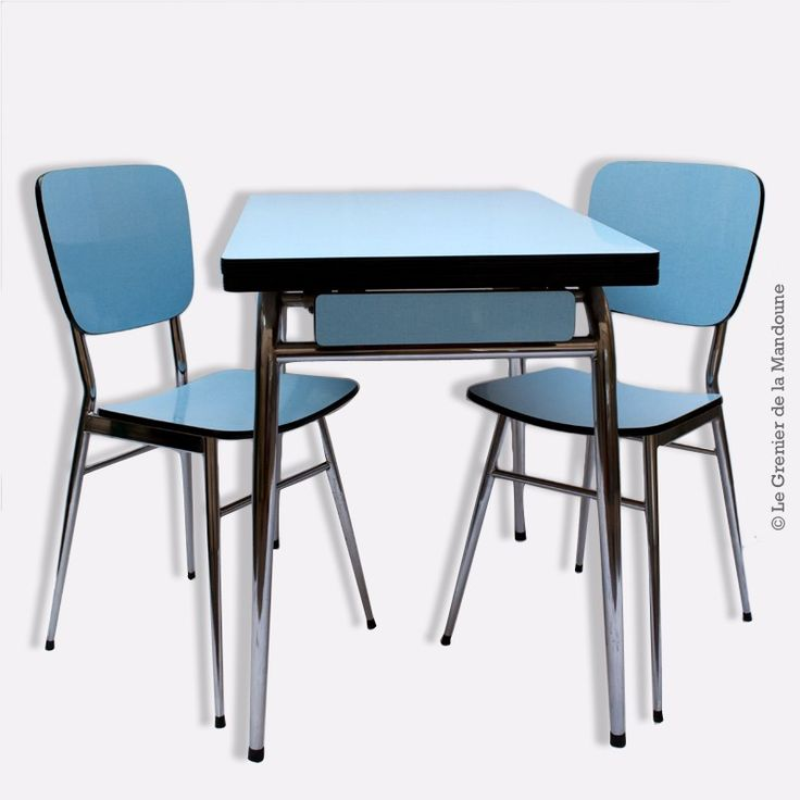 table formica avec ses 2 chaises d 39 origine bleu et acier. Black Bedroom Furniture Sets. Home Design Ideas