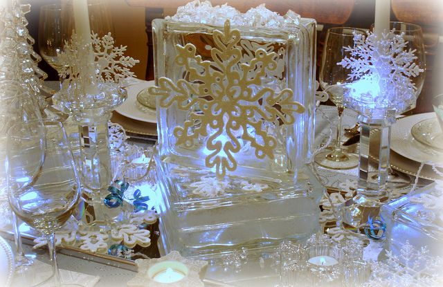 Looks like a winter wonderland. Great idea for my glass blocks!