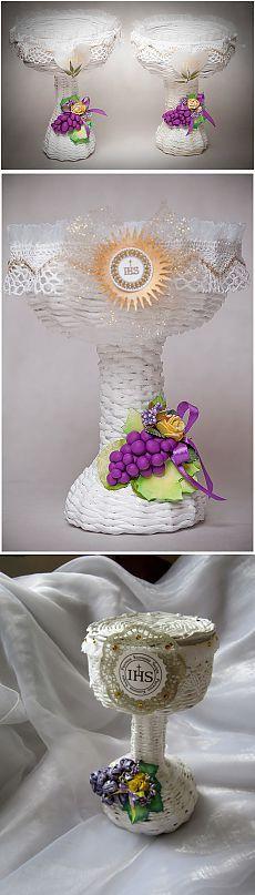 Tejiendo periódicos. GRAN plato de uvas