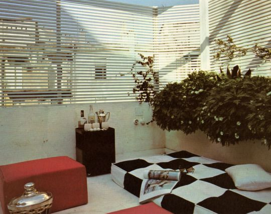 Modern Furniture and Decoration / Robert Harling ©1971