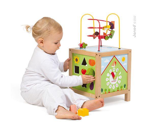 Janod dřevěná didaktická kocka ZAHRADA s labyrintem a 5 hranami 18-36 měsíců. Skvělá hračka pro vaše děťátko. :)