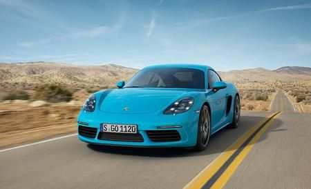 The 2017 Porsche Cayman has a very driver focused interior and very attractive design.