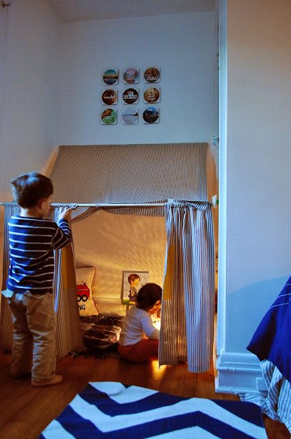 DIY Indoor tent http://www.ducklingsinarow.com/2013/10/indoor-tent-how-to.html: