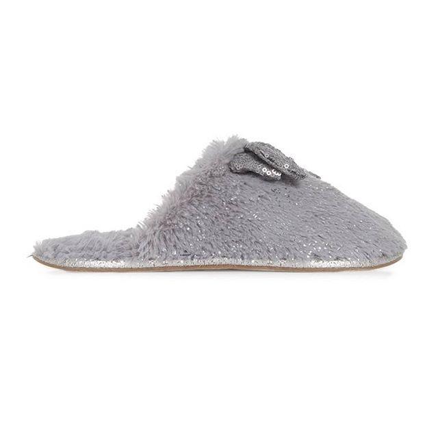 Pantufla resplandeciente color gris  Categoría:#pantuflas #primark_mujer #zapatos_mujer en #PRIMARK #PRIMANIA #primarkespaña  Más detalles en: http://ift.tt/2BocOH4