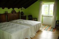 Esta es la habitación donde estuvimos Teresa y yo. En el desván, allí recuerdo tb dormir de niña, antes de estar convertida la casa en hotel