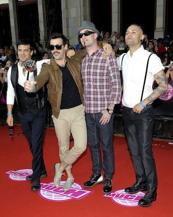 Vancouver's Hedley <3 Kiss You Inside Out    http://en.wikipedia.org/wiki/Hedley_(band)