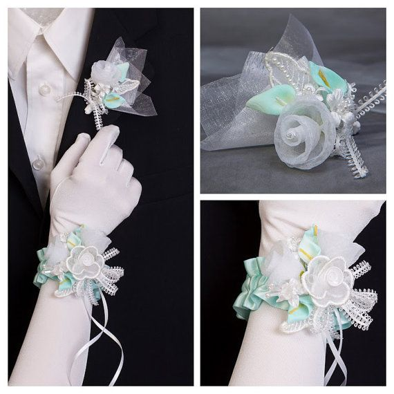 Bracelet de fleurs fleur à la par lechoixdelamariee sur Etsy