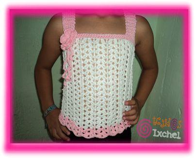 Blusa para niña tejida a crochet.