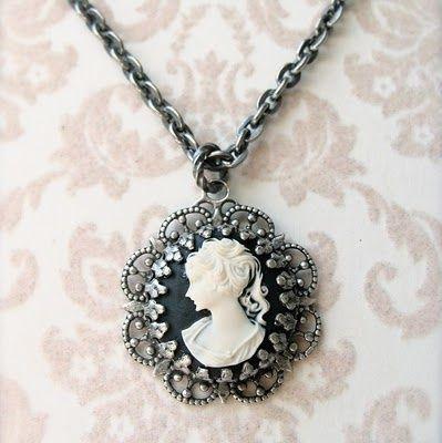 119 mejores imgenes sobre cameo en pinterest estilo antiguo rare cameo jewelry antique cameo necklace aloadofball Gallery