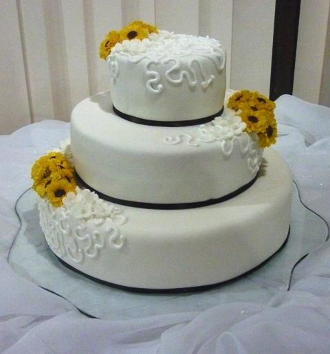 Boda Civil (torta de almendras con relleno de ganasche de ...
