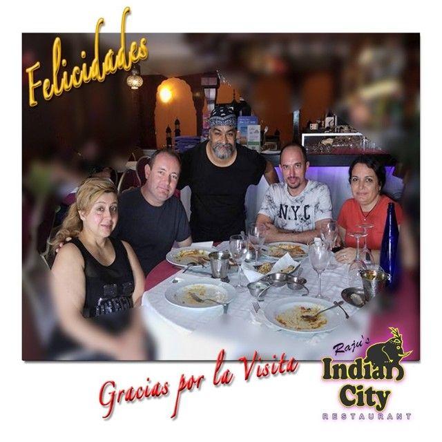 Visita de nuestro amigo Juan Carlos #RajusIndianCity #restaurante #Benalmadena #Málaga #igers #birthday #party #instamood #amigos #repost #friends #happybirthday #instafood #foodlover #picoftheday #indianfood Muchas Felicidades y Gracias por elegirnos 🍴🎂🍷