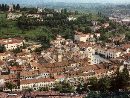 Beautiful Conegliano, Veneto Italy. The Veneto region of northeastern Italy borders on the Gulf of Venice. (via travelitaly.com)