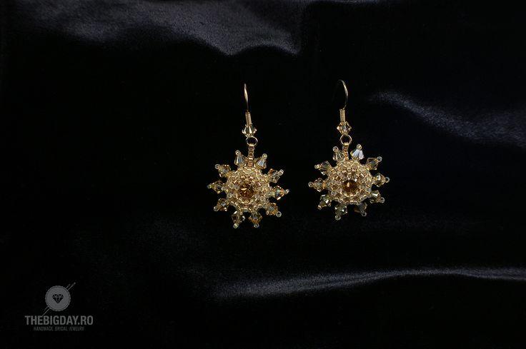 The Big Day | #1-0034 Cercei Swarovski Champagne Flowers http://thebigday.ro/ #Swarovski #swarovskijewelry #jewelry #handmadejewelry #wedding #mireasa #bijuterii #cristale #bijuteriimireasa #nunta