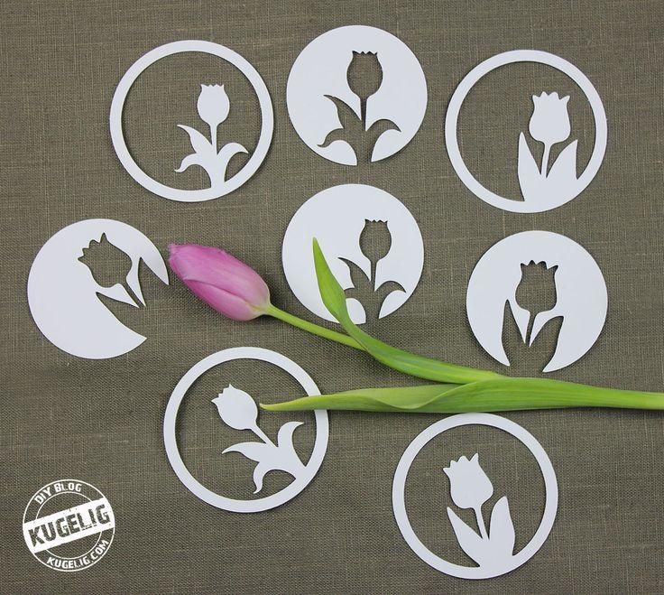 Das Plotter-Freebie beinhaltet 2 Tulpen-Motive je einmal mittig und einmal seitlich im Kreis. Und da ich um die Motive noch einmal einen Kreis gezogen habe, werden daraus 8 kleine Deko-Tulpen.