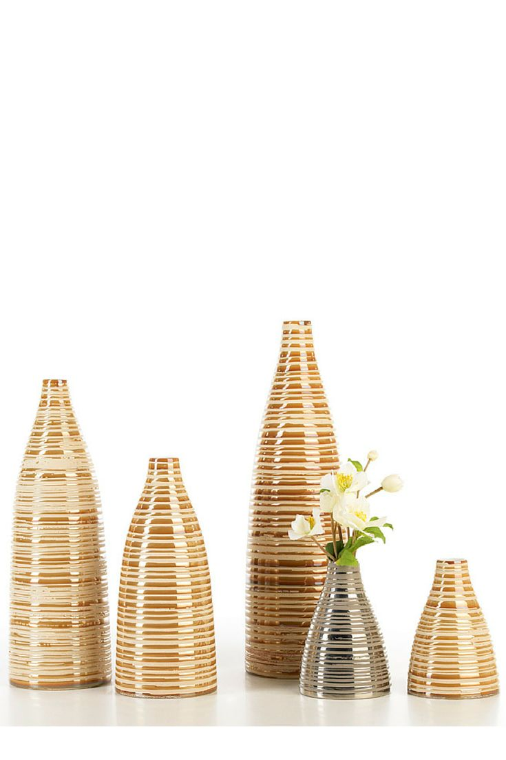 Piana #ceramics #homelivingceramics #vase #gold #caramel #stripes #homeaccessories #interiordesign | www.arfaigm.com