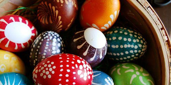 Dire, fare e mangiare durante la Pasqua. Tutto ciò che serve per festeggiare la Pasqua e la Pasquetta all'insegna del risparmio.