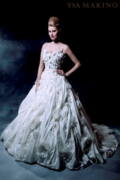 17 best images about ysa makino on pinterest new york for Ysa makino wedding dress