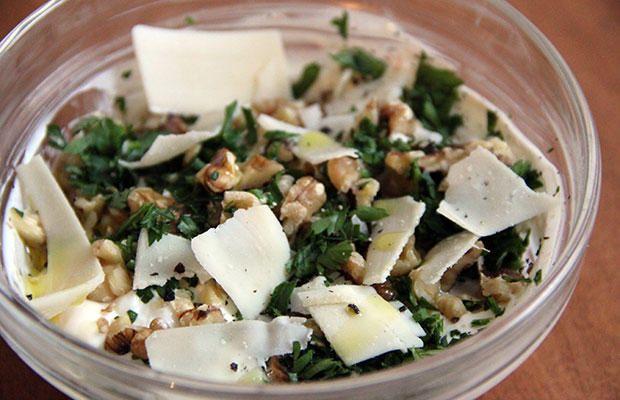 THIS Is The Best Way To Eat Yogurt  http://www.prevention.com/food/low-sugar-yogurt-recipes?cid=NL_ROTD_-_12212015_bestwaytoeatyogurt_hd