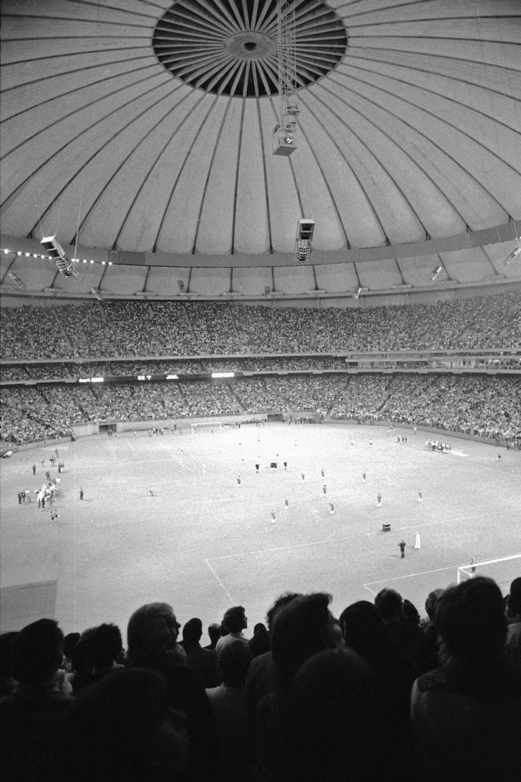 A record crowd of 58,128 soccer fans watched the match between Seattle and the New York Cosmos on April 9, 1976 in Seattle. (Anonymous/ASSOCIATED PRESS)