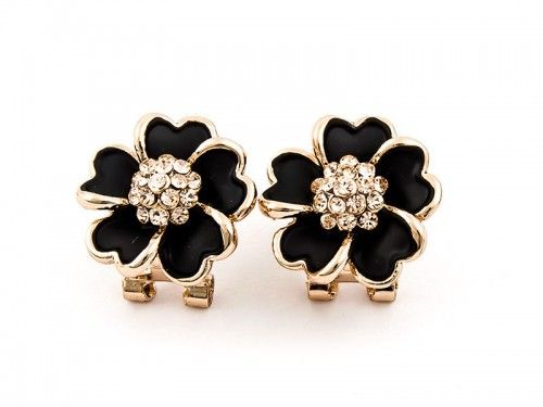 Awesome earrings with black flowers with golden elements. The center decorated with zircons. They look great on a woman and fit to elegant stylizations.