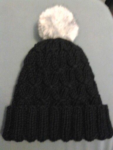 Mi gorro lanas Merino de katia y el pompon con vison de lanas stop