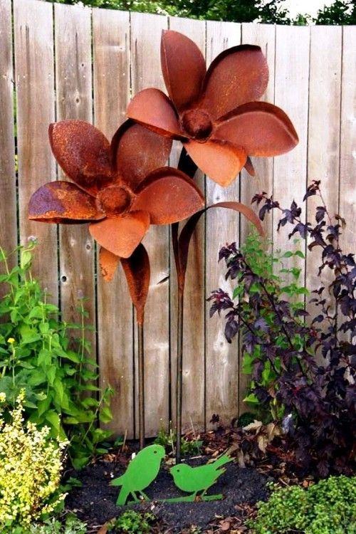 95 Rostige Garten Deko Ideen Fur Ein Charmantes Vintage Ausseres Gartengestaltung Garten Und Landschaftsbau Gartenb Metal Garden Art Garden Art Yard Art
