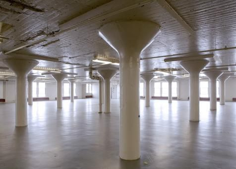 NYC Artist Studio: NYCEDC teamed with Chashama to make available approx. 50,000 ft² of artist studios at the Brooklyn Army Terminal in Sunset Park.