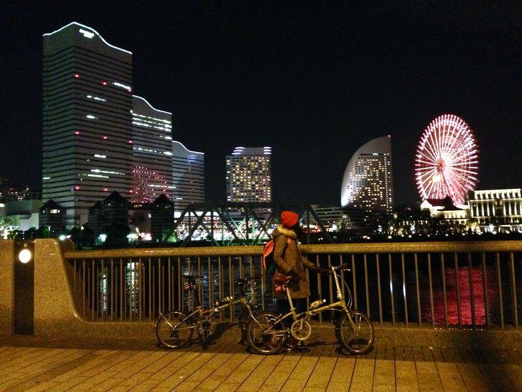 No.334 / ©オレンジメガネ / DAHON ボードウォークD7 2009年/2013年 / 昨年末~今年明にかけて行った横浜輪行のときの一枚、2014年最後の横浜の夜景とともに