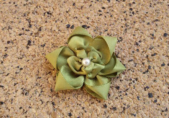 Green flower brooch satin ribbon brooch green by Rocreanique on Etsy
