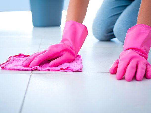 Die besten Putztricks und Hausmittel für deinen Haushalt - so kriegst du Küche, Badezimmer, Fenster und Backofen schnell strahlend