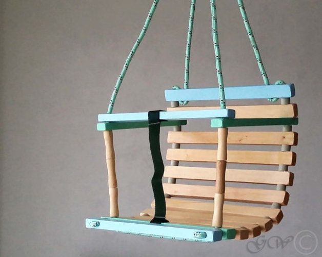 Kinderschaukel aus Holz für den Garten / wooden child's swing made by Greenwoodlt via DaWanda.com