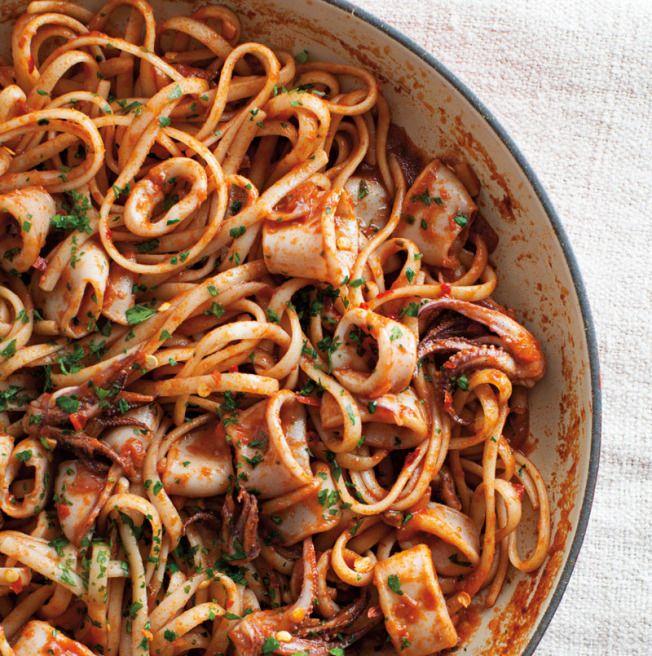 Linguine with Spicy Calamari (recipe) / by Williams-Sonoma Taste