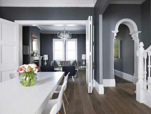 Interior-design-by-Greg-Natale-comfortable-aesthetic-white-molding-architectural-details