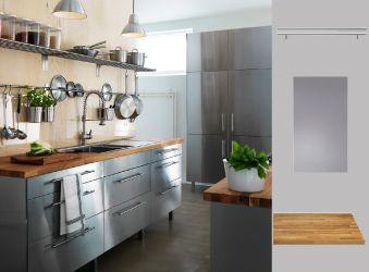 Küche mit RUBRIK Edelstahlfronten und NUMERÄR Arbeitsplatte aus massiver Eiche