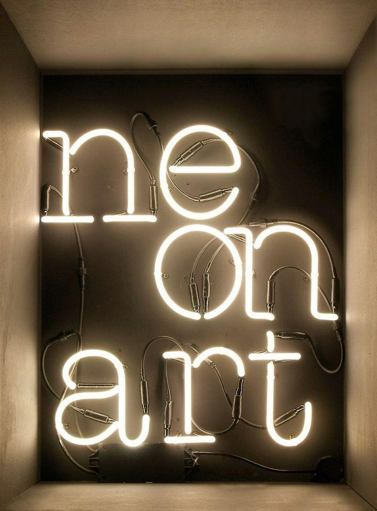 Seletti Neon letters / tekens - T
