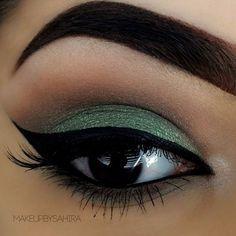 Υπέροχο πράσινο μακιγιάζ ματιών!!!   EimaiOmorfi.gr