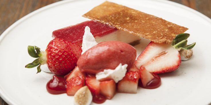 White chocolate cheesecake with Sweet Eve strawberries