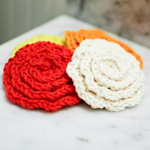 Free crochet flower face scrubby pattern use for rug pieces