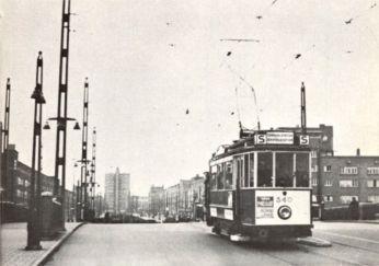 Maker onbekend - tram over de Berlagebrug