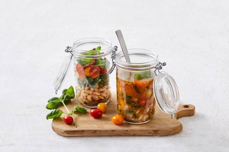 Snelle soep die je maakt met kokend water in een weckpot. Staat nog gezellig ook- Recept - Allerhande