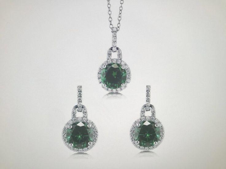 9.4TCW Round Cut Halo Emerald Green Russian Lab Diamond Solitaire Earring & Pendant Set